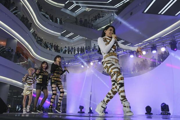 10 năm nhìn lại hành trình của 2NE1 trên show thực tế, lột xác nhất là CL! - Ảnh 6.