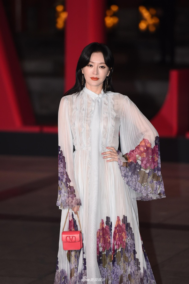 Thảm đỏ gắt nhất hôm nay: Tần Lam - Rosé đọ sắc khốc liệt, Lee Dong Wook khiến fan xịt máu mũi vì quá ma mị - Ảnh 6.