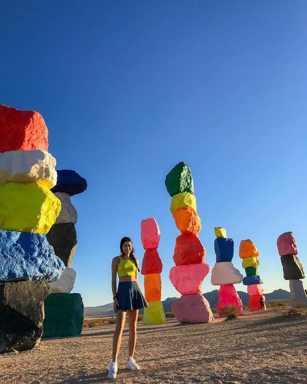 Độc nhất thế giới công viên đá 7 màu xếp chồng lên nhau đầy ngoạn mục, dân mạng đua nhau tới check-in trước khi đóng cửa - Ảnh 11.