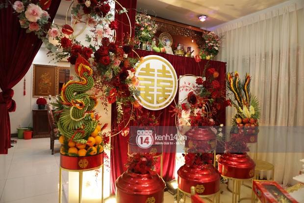 Độc quyền: Đông Nhi xuất hiện tại nhà Ông Cao Thắng trước giờ rước dâu, biệt thự của chú rể đã ngập tràn sắc đỏ! - Ảnh 10.