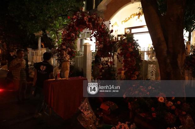 Độc quyền: Đông Nhi xuất hiện tại nhà Ông Cao Thắng trước giờ rước dâu, biệt thự của chú rể đã ngập tràn sắc đỏ! - Ảnh 18.