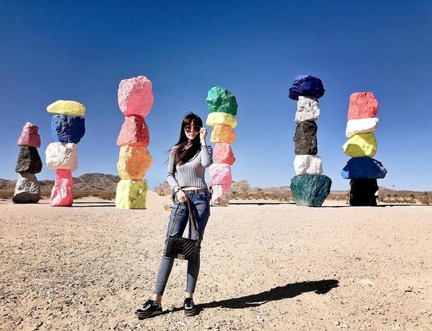 Độc nhất thế giới công viên đá 7 màu xếp chồng lên nhau đầy ngoạn mục, dân mạng đua nhau tới check-in trước khi đóng cửa - Ảnh 10.