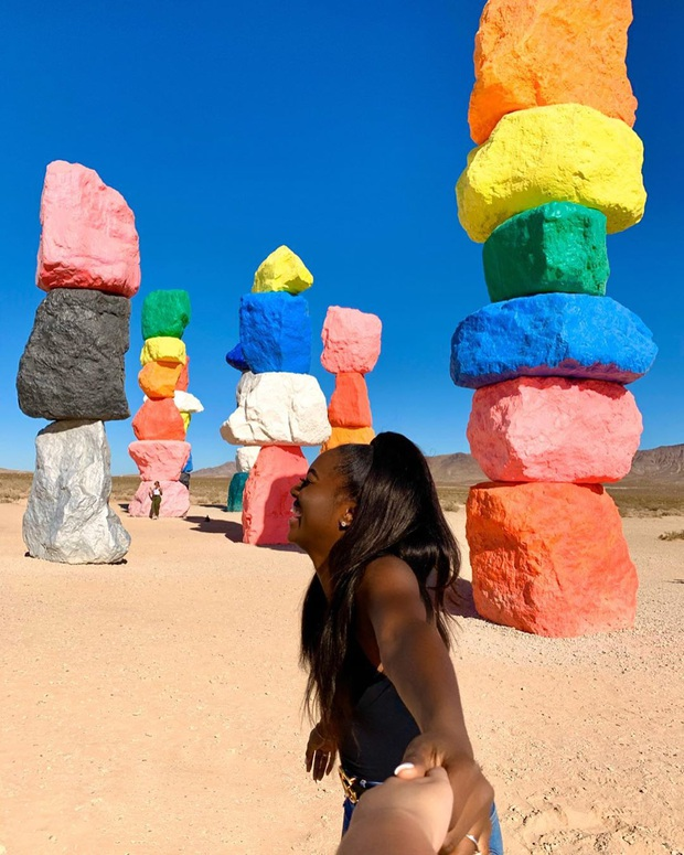 Độc nhất thế giới công viên đá 7 màu xếp chồng lên nhau đầy ngoạn mục, dân mạng đua nhau tới check-in trước khi đóng cửa - Ảnh 20.