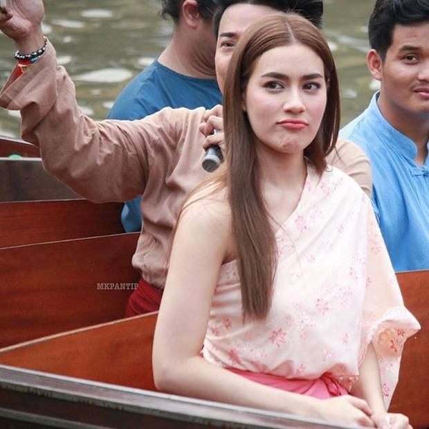 5 mĩ nhân cổ trang đẹp nhất xứ Thái: Bạn gái Sơn Tùng xinh đấy nhưng chưa thần thái bằng nàng thơ Yaya - Ảnh 21.