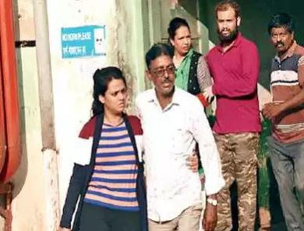 Nhảy khỏi tàu hỏa để đuổi theo tên trộm iPhone, kỹ sư Ấn Độ không may thiệt mạng - Ảnh 1.