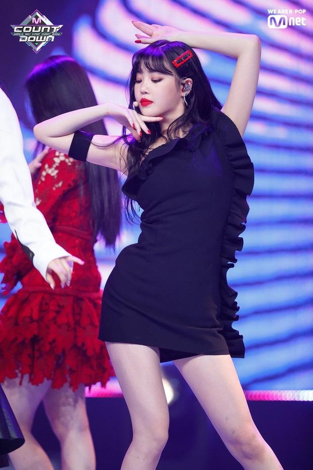 4 nữ idol ăn vận sexy nhất nhì sân khấu Kpop: Nàng nào cũng sở hữu body đẹp phát hờn, thần thái vạn tiễn xuyên tim - Ảnh 12.