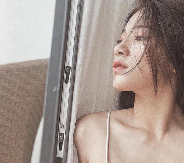 Nữ giảng viên xinh đẹp được ví như bản sao  của Hòa Minzy, đến bố mẹ cũng nhầm ảnh ca sĩ là con mình - Ảnh 4.