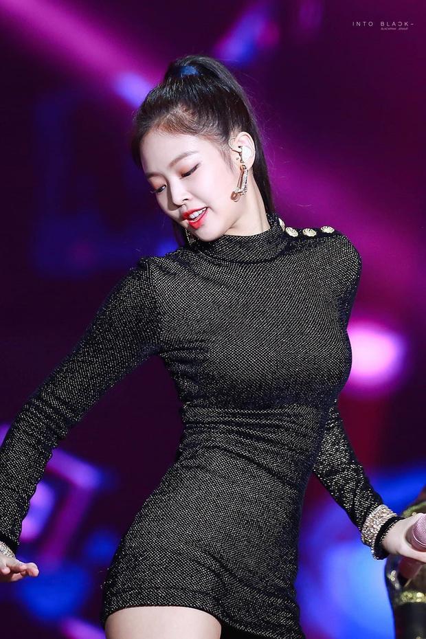 4 nữ idol ăn vận sexy nhất nhì sân khấu Kpop: Nàng nào cũng sở hữu body đẹp phát hờn, thần thái vạn tiễn xuyên tim - Ảnh 4.