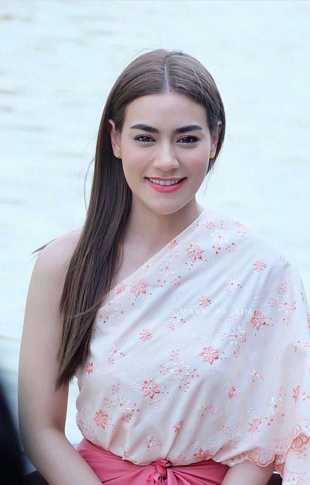 5 mĩ nhân cổ trang đẹp nhất xứ Thái: Bạn gái Sơn Tùng xinh đấy nhưng chưa thần thái bằng nàng thơ Yaya - Ảnh 18.
