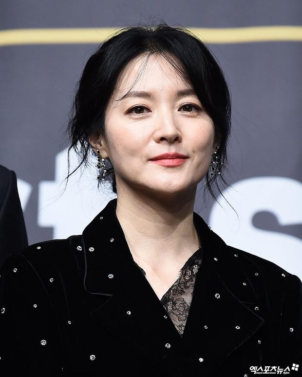 Nàng Dae Jang Geum Lee Young Ae lấn át hết dàn sao quyền lực, đẹp đỉnh cao đến mức bất chấp dấu hiệu lão hóa - Ảnh 3.