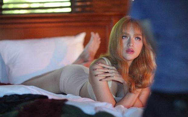 Quyết rũ bỏ áp lực Hoa hậu, Hương Giang tuyên bố sẽ thực hiện MV táo bạo bất chấp bị sờ gáy - Ảnh 2.