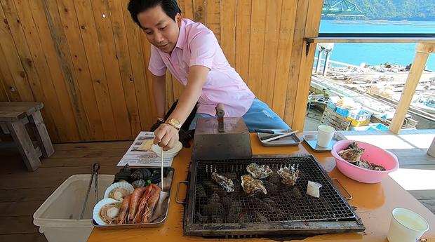 Khoa Pug tung vlog mới ở Hiroshima, gặp đồng hương nhưng lần này không dám quay vì sợ dính phốt lần 2 - Ảnh 4.