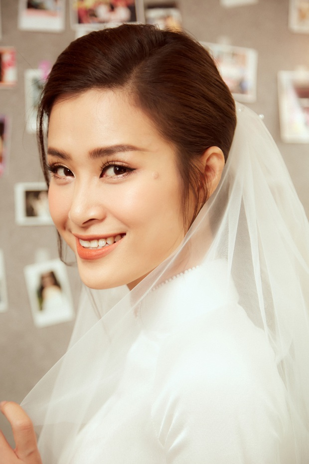 Ảnh nét căng bên trong lễ rước dâu của Đông Nhi: Nữ chính đẹp xuất thần, không ngừng chăm sóc hôn phu như ngày mới yêu! - Ảnh 4.