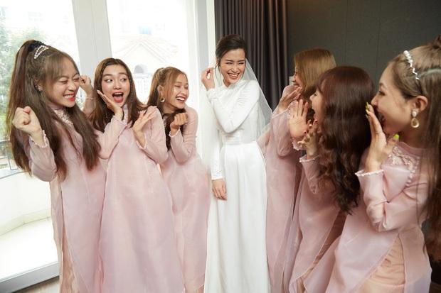 Cô dâu vui nhất showbiz Đông Nhi: Chỉ có hai trạng thái, cười tươi và cười rất tươi - Ảnh 3.