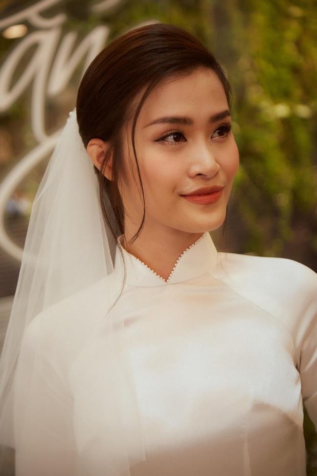 Ảnh nét căng bên trong lễ rước dâu của Đông Nhi: Nữ chính đẹp xuất thần, không ngừng chăm sóc hôn phu như ngày mới yêu! - Ảnh 10.