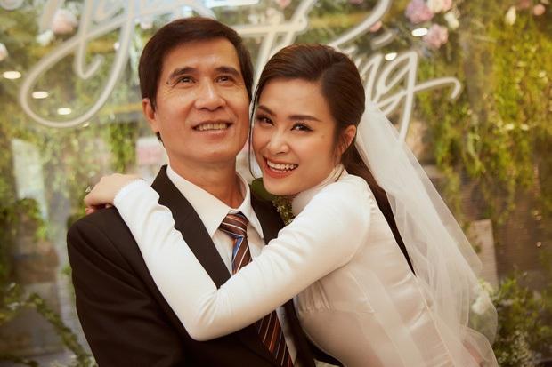 Cô dâu vui nhất showbiz Đông Nhi: Chỉ có hai trạng thái, cười tươi và cười rất tươi - Ảnh 4.