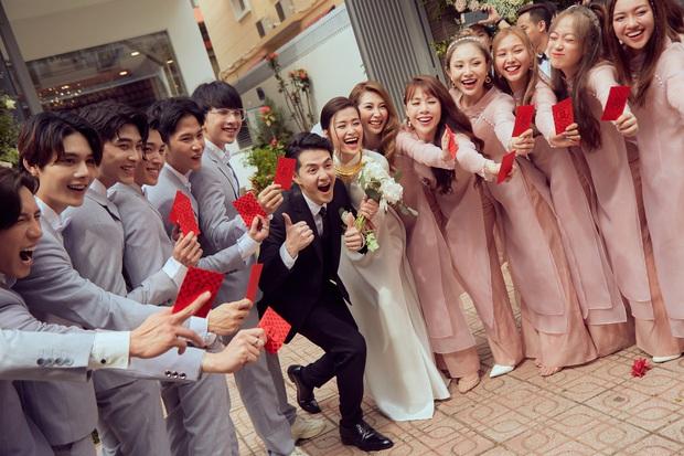Đột nhập địa điểm diễn ra lễ cưới của Đông Nhi - Ông Cao Thắng: Hoa phủ kín, ánh sáng lên tạo không gian cổ tích giữa biển - Ảnh 8.