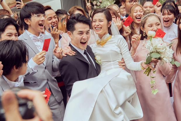 Cô dâu vui nhất showbiz Đông Nhi: Chỉ có hai trạng thái, cười tươi và cười rất tươi - Ảnh 5.