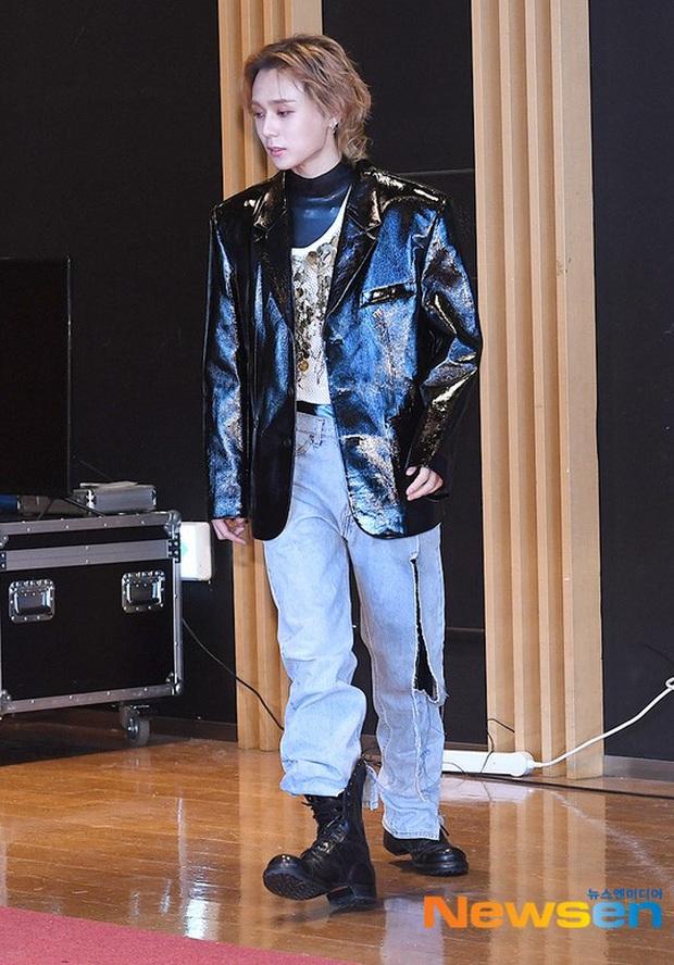 HyunA suýt hớ hênh vì váy cũn cỡn, GOT7 cực soái đọ visual với em trai BTS và EDawn trên thảm đỏ - Ảnh 6.
