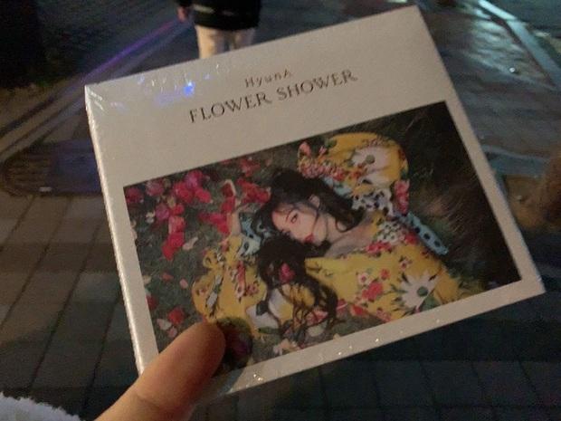 Chiều fan hết cỡ như HyunA: Hết tặng set mỹ phẩm đắt tiền giờ còn lén trộm CD giới hạn từ công ty để phát cho người hâm mộ - Ảnh 7.
