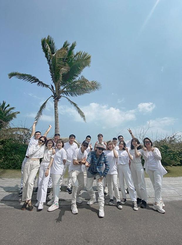 Cả showbiz Việt đang nô nức với siêu đám cưới Nhi - Thắng, chủ tịch Nguyễn Thanh Tùng vẫn ung dung mừng kỉ niệm 3 năm M-TP Entertainment! - Ảnh 3.