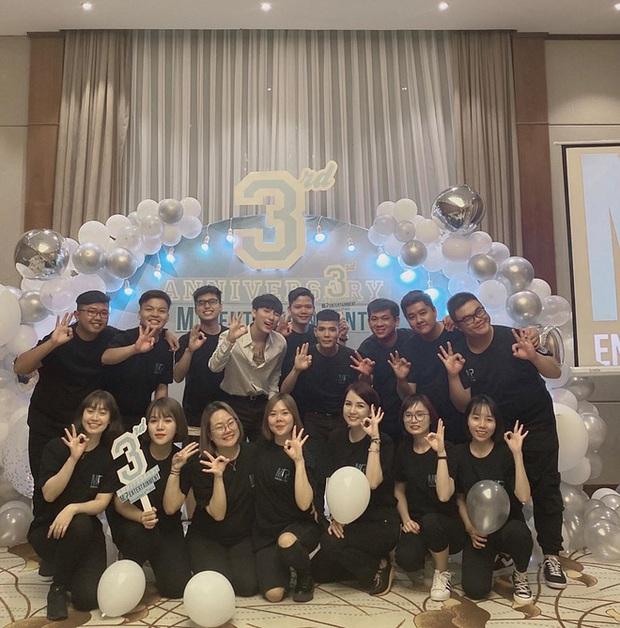Cả showbiz Việt đang nô nức với siêu đám cưới Nhi - Thắng, chủ tịch Nguyễn Thanh Tùng vẫn ung dung mừng kỉ niệm 3 năm M-TP Entertainment! - Ảnh 2.