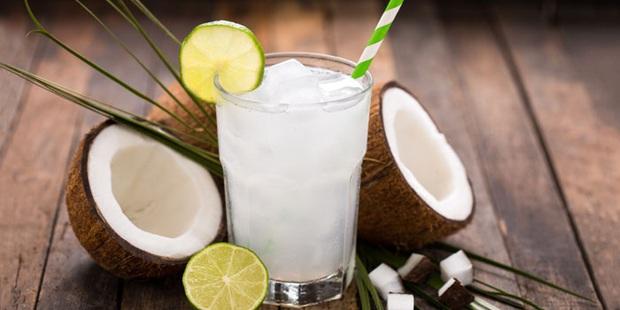 Nước dừa có thực sự tốt cho sức khoẻ? Tất tần tật những điều bạn nên biết về thức uống giải khát tự nhiên này - Ảnh 1.