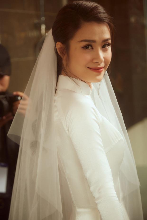 Nhìn hình Đông Nhi rút ra chân lý: Cô dâu cứ trang điểm nhẹ nhàng, tóc tai đơn giản là đã đẹp lụi tim - Ảnh 5.