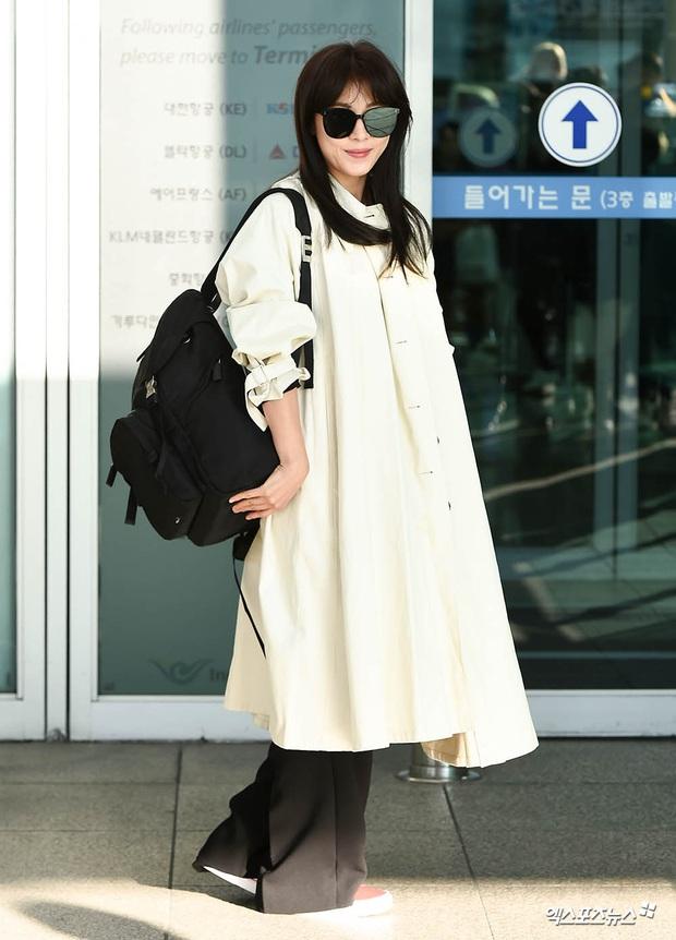 Sân bay Hàn náo loạn vì quân đoàn sao: Hoàng hậu Ki Ha Ji Won sang chảnh sang Việt Nam, NCT và ITZY visual không vừa - Ảnh 3.
