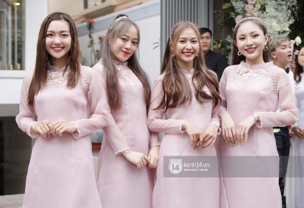 Thả thính comeback nhưng ai ngờ đội hình mới của LipB lại lần đầu công khai xuất hiện ở... lễ rước dâu Đông Nhi - Ông Cao Thắng - Ảnh 2.