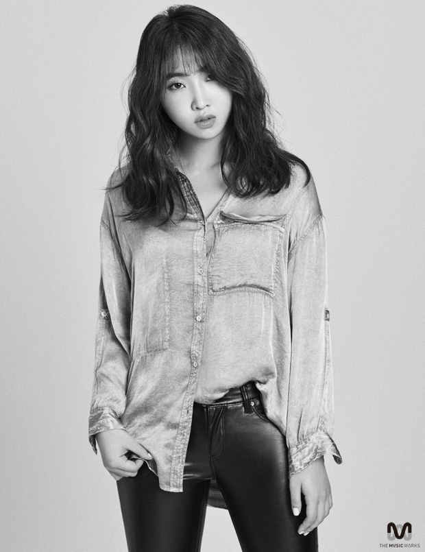 Chưa hết hoang mang vì tin CL rời YG, dân tình ngỡ ngàng vì Minzy bỗng khoe clip diện váy cưới kèm chú thích ẩn ý - Ảnh 2.