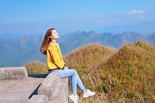 """""""Sống lưng khủng long"""" Bình Liêu đang vào mùa cỏ lau đẹp như một giấc mơ, xem ảnh chỉ biết ôm mộng được đến 1 lần! - Ảnh 26."""