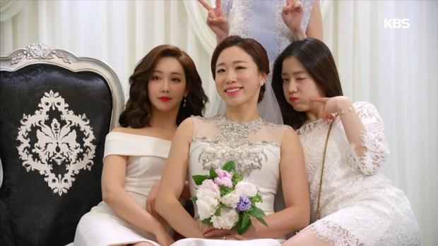 Cười rụng nụ với những đám cưới có 1-0-2 trên phim Hàn: Chị dâu xấu tính bị hội em chồng dằn mặt cướp sạch spotlight! - Ảnh 4.