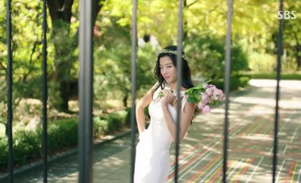 Cười rụng nụ với những đám cưới có 1-0-2 trên phim Hàn: Chị dâu xấu tính bị hội em chồng dằn mặt cướp sạch spotlight! - Ảnh 12.