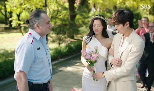 Cười rụng nụ với những đám cưới có 1-0-2 trên phim Hàn: Chị dâu xấu tính bị hội em chồng dằn mặt cướp sạch spotlight! - Ảnh 14.