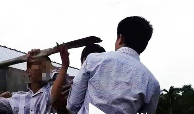 Quảng Nam: Cầm cây đánh chết hàng xóm vì mẹ ruột từng bị đánh - Ảnh 1.