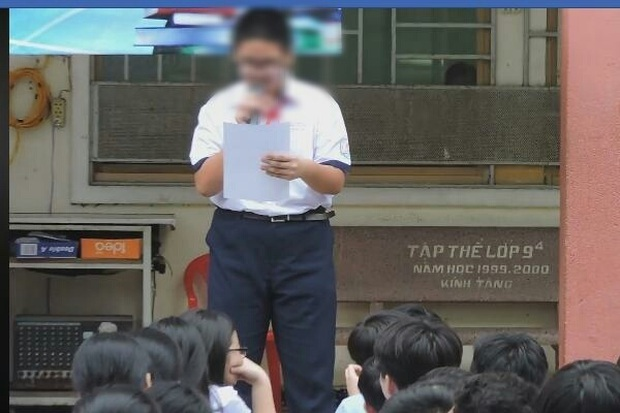 Bắt học sinh kiểm điểm giữa trường rồi quay clip đưa lên mạng là phản cảm - Ảnh 1.