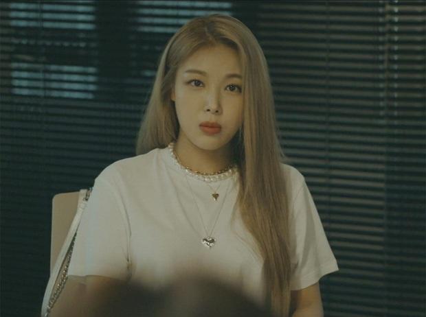 Cameo tiền tỉ xuất hiện ở Vị Khách Vip: Yubin (Wonder Girls) hóa Ngọc Trinh đập hộp, vay nặng lãi 6 tỉ thu về 60 tỉ - Ảnh 3.