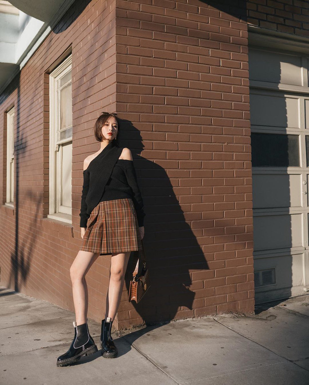 Công thức váy + boots đã thuộc hàng kinh điển, bạn không nên lơ là 3 cách diện chuẩn xinh và tôn dáng sau - Ảnh 12.