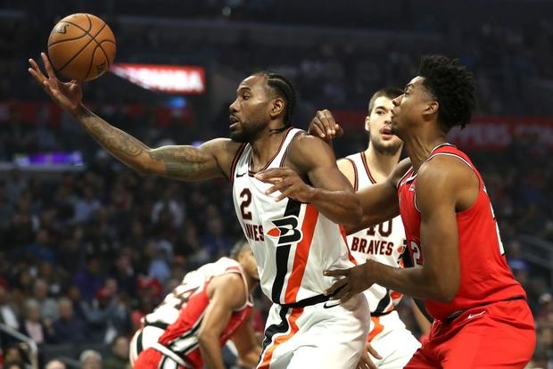 NBA 19-20: Bùng nổ ở hiệp 4, Kawhi Leonard giúp Los Angeles Clippers thoát thua trước Portland Trail Blazers - Ảnh 3.