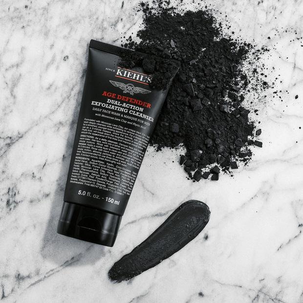 Bắt chước nàng mẫu siêu vòng 1 Emily Ratajkowski dùng 6 món skincare sau, biết đâu da bạn cũng căng mướt như da cô ấy - Ảnh 5.