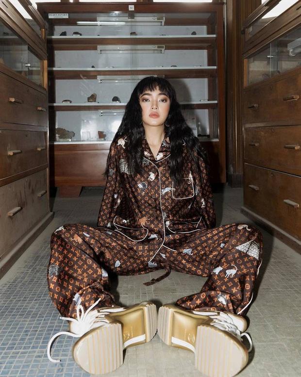 Trước ngày làm cô dâu đại gia, Bảo Thy nhử fan bằng bộ pijama 130 triệu và đụng hàng cả loạt người đẹp - Ảnh 7.