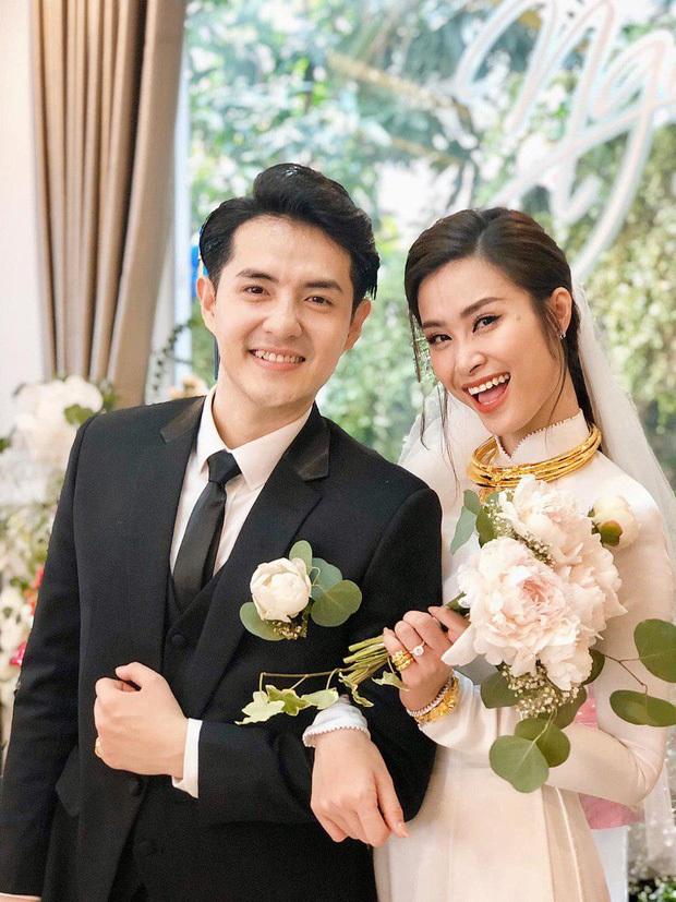 Bao nhiêu lần làm đám cưới giả trên sân khấu, hôm nay Đông Nhi - Ông Cao Thắng chính thức trở thành cô dâu chú rể hạnh phúc nhất showbiz rồi! - Ảnh 9.