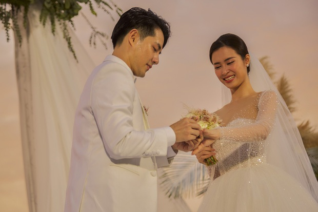 5 cái nhất chỉ có ở đám cưới Đông Nhi - Ông Cao Thắng: Sốc với độ hoành tráng, 10 năm thanh xuân chỉ cần bấy nhiêu là đủ! - Ảnh 3.