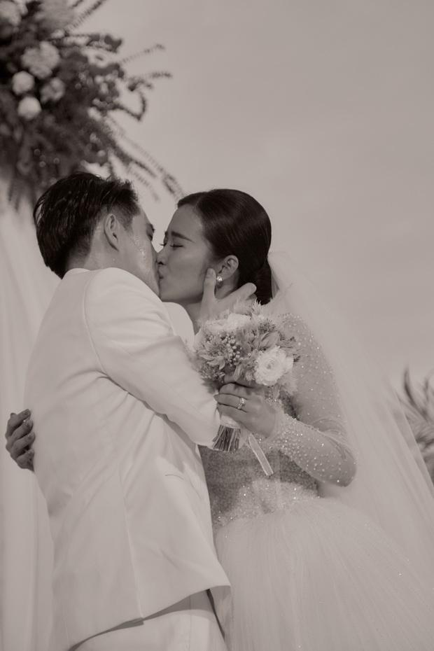 Đông Nhi ra mà xem trọn vẹn khoảnh khắc căng đét trong đám cưới của Mai Hồng Ngọc và Ông Cao Thắng này! - Ảnh 5.