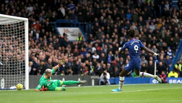 Đội trưởng Mỹ Pulisic bùng nổ, Chelsea tiếp tục bay cao tại giải Ngoại hạng Anh - Ảnh 1.