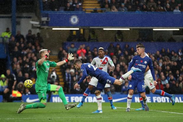 Đội trưởng Mỹ Pulisic bùng nổ, Chelsea tiếp tục bay cao tại giải Ngoại hạng Anh - Ảnh 2.
