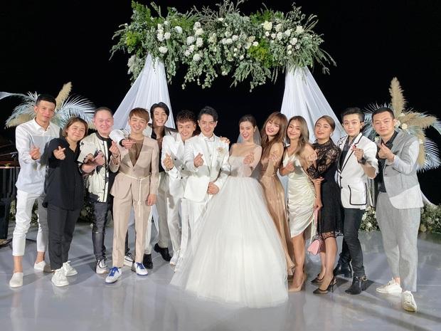 Xúc động nhìn lại sự nghiệp của gia đình văn hoá tái ngộ tại đám cưới Đông Nhi - Ông Cao Thắng: Sau 10 năm, ai cũng đều viên mãn hết cả! - Ảnh 32.