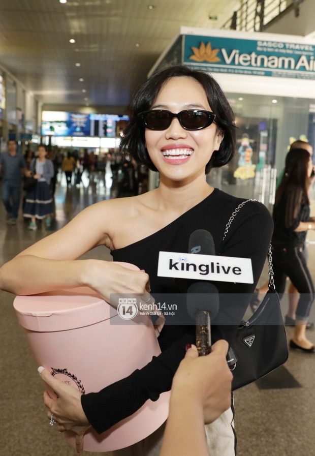 Style sân bay của sao Việt dự siêu đám cưới của Đông Nhi – Ông Cao Thắng: Nhiều cây đồ đơn giản nhưng đẹp rất đáng học theo - Ảnh 7.