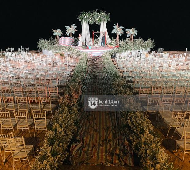 Đột nhập địa điểm diễn ra lễ cưới của Đông Nhi - Ông Cao Thắng: Hoa phủ kín, ánh sáng lên tạo không gian cổ tích giữa biển - Ảnh 3.